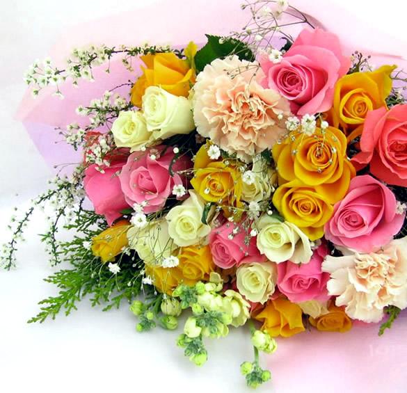 Precioso ramo de rosas en diferentes colores